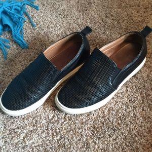Women's Caslon Flat Sneaker